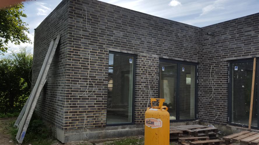 Murermester bygger arkitekttegnet hus